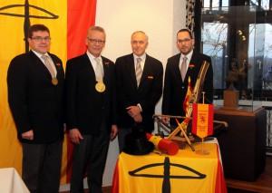 Kaiser Wolfgang Essers, König Jürgen Schmitz, Rendant Dr. Reinhold Offermanns und Redner Prof. Dr. Jürgen Karla